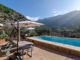 TOFOLET  - Property for 4 people in fornalutx - Fornalutx vacation rentals