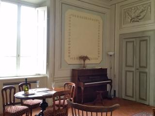 The piano suite - Navacchio vacation rentals