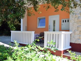 Beautiful 1 bedroom Zadar Apartment with Internet Access - Zadar vacation rentals