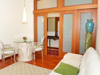 Bilocale elegante in stabile signorile a Milano - Milan vacation rentals