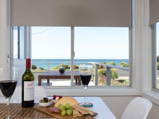 Perfect 4 bedroom Vacation Rental in Penguin - Penguin vacation rentals