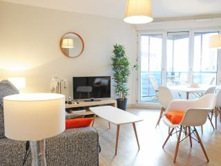 PORT SAINT ETIENNE Terrace Parking Citycenter - Toulouse vacation rentals