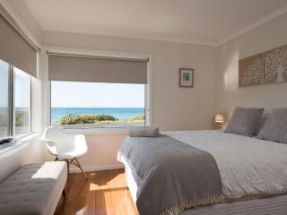 Perfect 4 bedroom Penguin House with Internet Access - Penguin vacation rentals