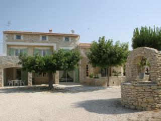 LOCATIONS DES ALPILLES - MIMOSA - Saint-Remy-de-Provence vacation rentals