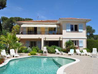 Villa 12/14p, avec piscine, proximité mer - Saint Raphaël vacation rentals