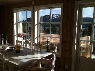 Bright Condo with Balcony and Mountain Views - Vinstra vacation rentals