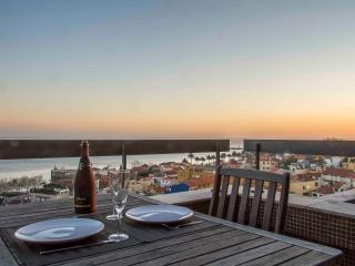 Liiiving in Porto | Sea & River View - Porto vacation rentals
