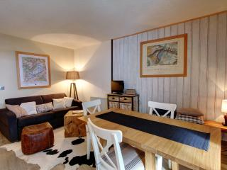 Gentianes recently refurbished central apartment - Chamonix vacation rentals