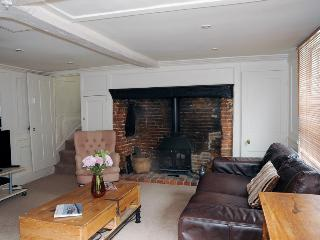 The Old Bakery - Stunning cottage central Fareham - Fareham vacation rentals
