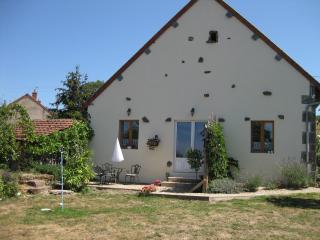 Nice 2 bedroom House in Morlet - Morlet vacation rentals