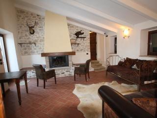 Stone wall Villa in Sabin Regional Park - Scandriglia vacation rentals