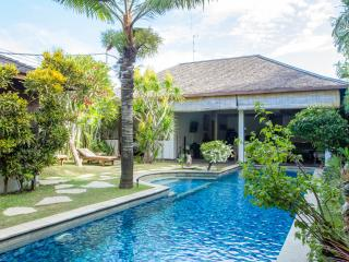 SEMINYAK 13m POOL private 2lgebrms LOCATION value! - Seminyak vacation rentals