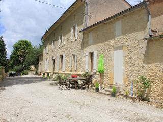 Le gardien guesthouse, for 6 p., 20 min St-Emilion - Villefranche-de-Lonchat vacation rentals
