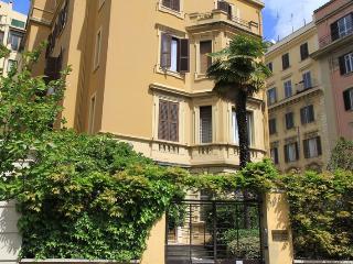 Bright and cozy near San Pietro/Borgo - Rome vacation rentals