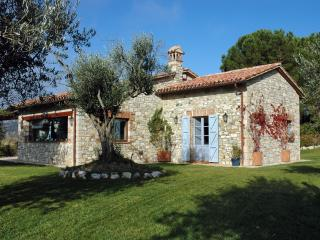 Amazing Umbrian villa with private pool - Todi vacation rentals