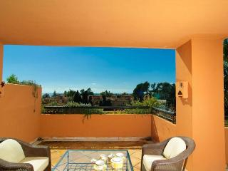 Beautiful 3 bedroom apartment very near best beach - Marbella vacation rentals