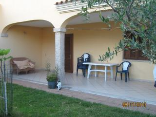 Idyllic 2 bedroom apartment, san teodoro - San Teodoro vacation rentals