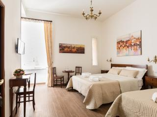 Room Quirinale (Casa in Monti Rome) - Rome vacation rentals