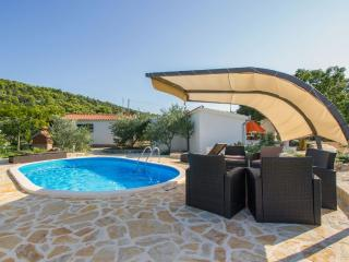 Holiday houses Pia ,quiet&privacy - Vrsine vacation rentals