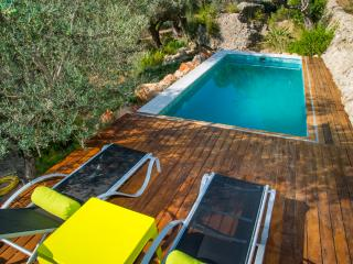 Bright Villa with Patio and Television - Mancor de la Vall vacation rentals