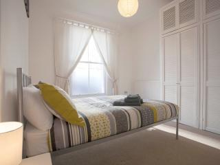 Super New Flat - Top Transport Links - London vacation rentals