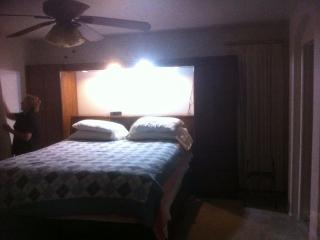 Nice House with Dishwasher and Clothes Dryer - Maricopa vacation rentals