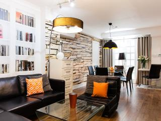 EXTREMELY CENTRAL➤Huge flat➤A/C➤3½Bath➤Easy access - London vacation rentals