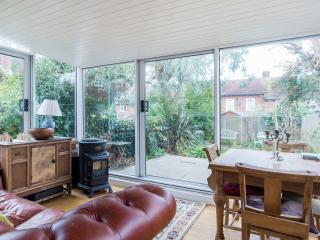 Lovely London Apartment rental with Internet Access - London vacation rentals