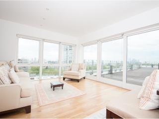 Stunning views across the River Thames, London Bridge/ Bermondsey - London vacation rentals