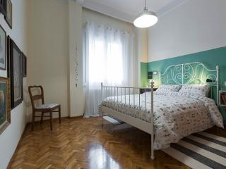 Authentic Retro Flat in CityCenter - Thessaloniki vacation rentals