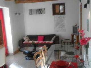 Nice Condo with Internet Access and Satellite Or Cable TV - Cervens vacation rentals