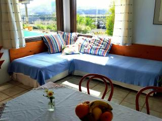 Comfortable 1 bedroom Apartment in La Vegueta with Internet Access - La Vegueta vacation rentals