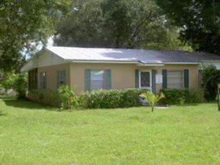 Bargain Cozy Cottage - Central Location - Vero Beach vacation rentals