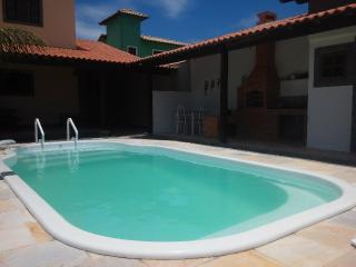 Casa com piscina estre a praia e a lagoa - Arraial do Cabo vacation rentals