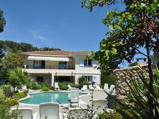 APPART T4, 110m2, ds villa , piscine,proximité mer - Saint Raphaël vacation rentals