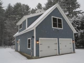 Cozy Carriage House in the Woods - Falls Village vacation rentals