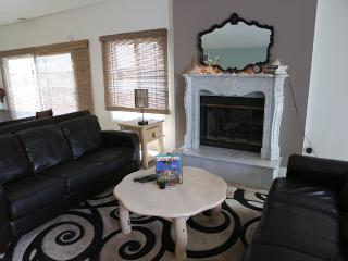 4bed, 3 bath Beach House steps away to Beach - Carlsbad vacation rentals