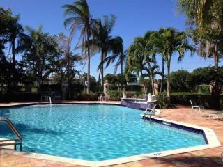 Amazing 3 bedroom condo in resort style community - West Palm Beach vacation rentals