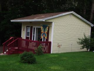 Romantic 1 bedroom Pleasant Bay Cottage with Internet Access - Pleasant Bay vacation rentals