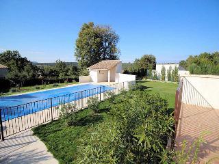 La Bruguière Gard, Villa 9p. 12 km to Uzès, heated pool - La Bruguiere vacation rentals