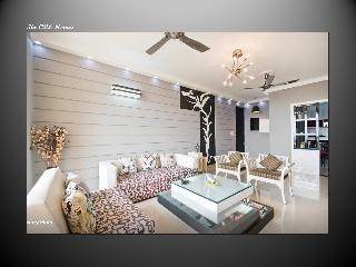 Oro Homes Luxory flat with all amenities - Greater Noida vacation rentals
