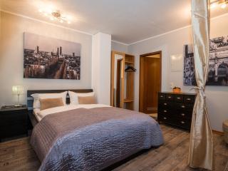 Westpark Apartment (2 Bedrooms-2 bathrooms) - Munich vacation rentals