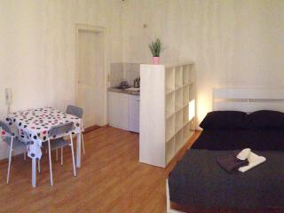 1 bedroom Apartment with Central Heating in Leipzig - Leipzig vacation rentals