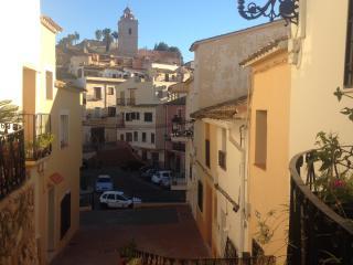 Very Quaint Spanish house near to main square - El Albir vacation rentals