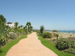 Beautiful Comfortable Apartment close to the beach on the Costa del Sol - Cancelada vacation rentals