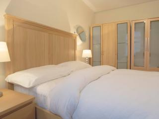 Luxury 2 Bed In London Kings Cross #BH6453 - London vacation rentals