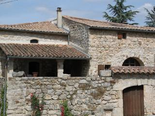 4 bedroom House with Internet Access in Les Assions - Les Assions vacation rentals