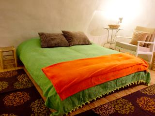 Superb Location Magas House:The Cellar - 5 Sleep - Jerusalem vacation rentals