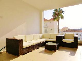 2b Zenon pool apartment - Larnaca center - Larnaca District vacation rentals