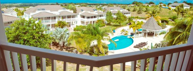Beautiful House with Shared Outdoor Pool and Balcony - Maynards vacation rentals